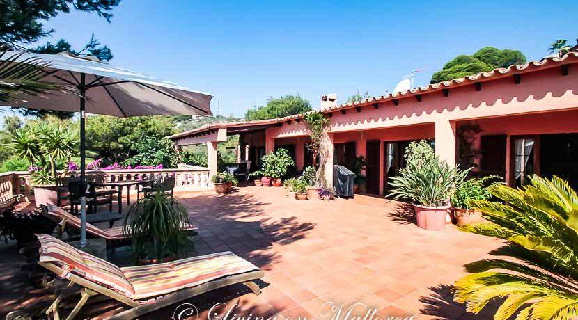 LOM0014-03 Haupthaus mit Terrasse