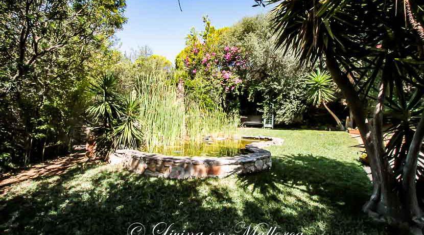 LOM0014-23 Garten mit kleinem Teich