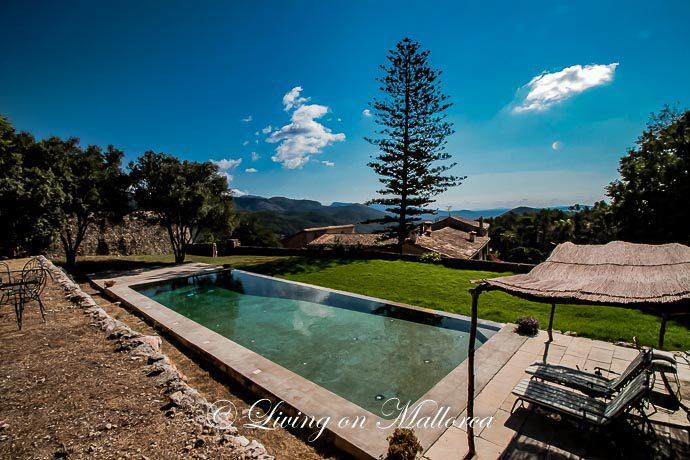 LOM0022-15 Pool und Terrasse