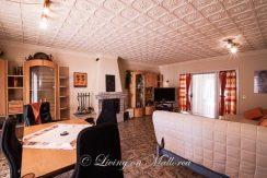LOM0053-03 Wohnzimmer mit Kamin