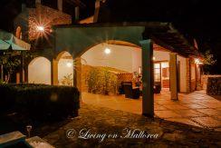 LOM0052-06 überdachte Terrasse bei Nacht