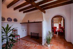 LOM0052-11 alte Wohnküche mit Kamin