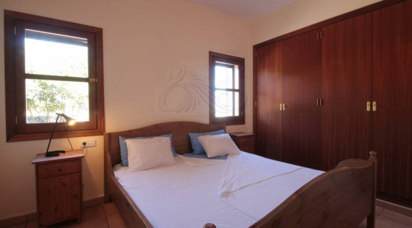 LOM0029-10 Schlafzimmer