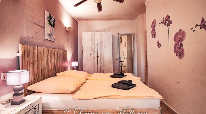 LOM0059-19 Schlafzimmer Erdgeschoß