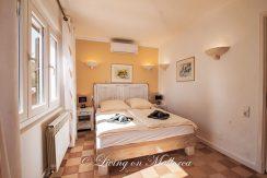 LOM0059-22 Schlafzimmer Gästeapartment