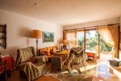 LOM0062-04 Wohnzimmer mit Balkon