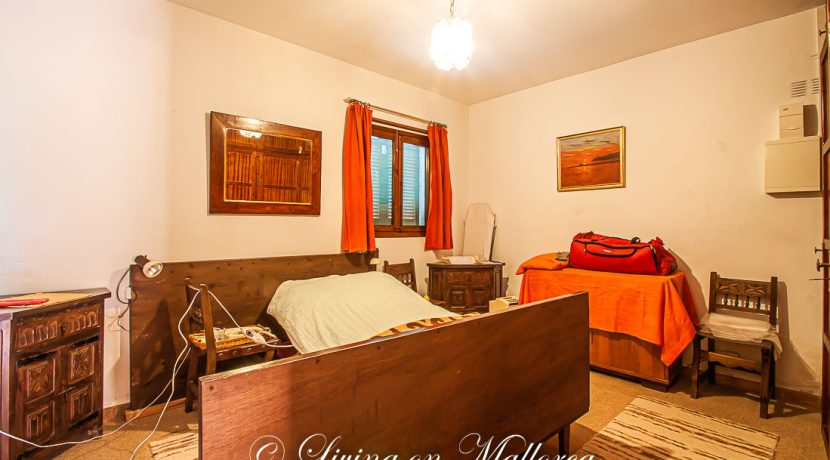 LOM0062-07 erstes Schlafzimmer
