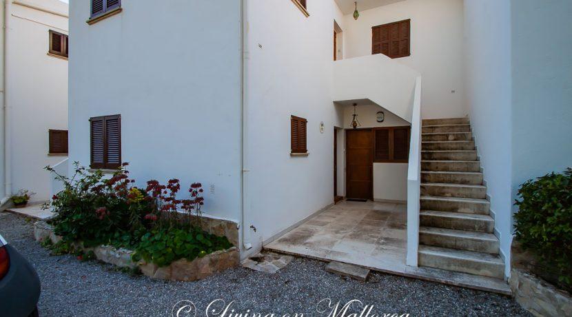 LOM0062-11 Eingangsbereich