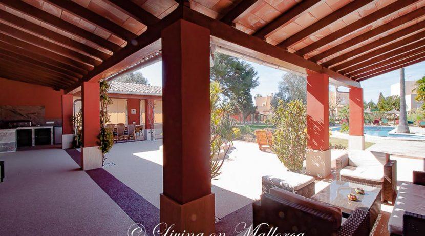 LOM0063-23 Inner courtyard